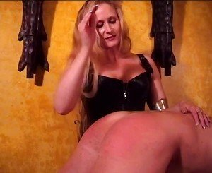 Mistress Amberle Spanking Her Slaves Ass, Porn c8: