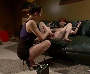 Gorgeous dolls Donna and Jessi Palmer gets their wet snatch p...