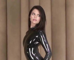 Lara in Black Latex: Free BDSM HD Porn Video ce -