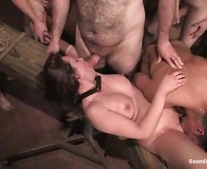 Princess Donna like to get all the nut of a hot dudes