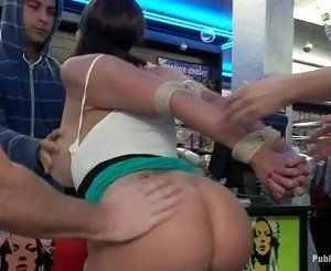 Princess Donna humilates Kelly Divine in public