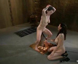 Princess Donna can only cum if she's being abused and torture...